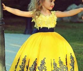Flower Girls Dress,..