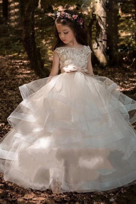 2018 Flower Girls Dresses For Weddings Lace Appliques Short Sleeves Beaded Sash Hollow Back Tiered Ruffles Kids Birthday Girl Pageant Gowns
