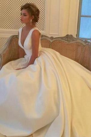 Simple Ivory Deep V Neck Wedding Dresses Bridal Gowns A Line Satin Long Beach Wedding Dress Cheap Pleats Wedding Guest Gowns