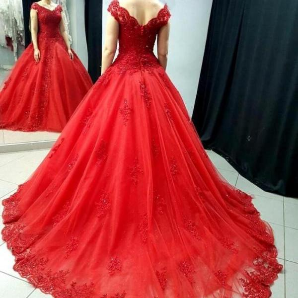 Plus Size Lace Ball Gowns prom Dresses for Women Elegant Princess Court Train Lace V Neck Puffy Party Gowns 2018 Red Party Dresses