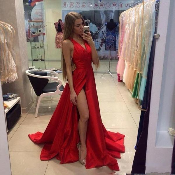 2018 Cheap Thigh Slit Splid Red Prom Dresses V Neck Sexy Open Back Sweep Train Custom Made Formal Prom Gowns Special Occasion Wears red Party Dresses